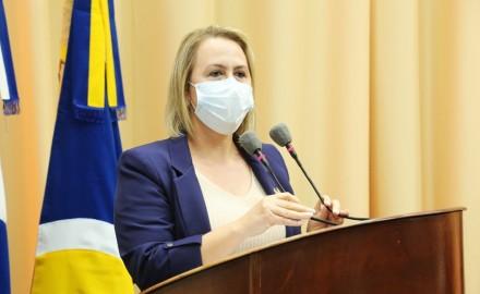Vereadora Liandra pede reforma do Ceper do BNH II Plano