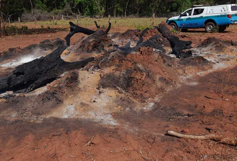 Homem é autuado em R$ 9 mil por incêndio em pastagem