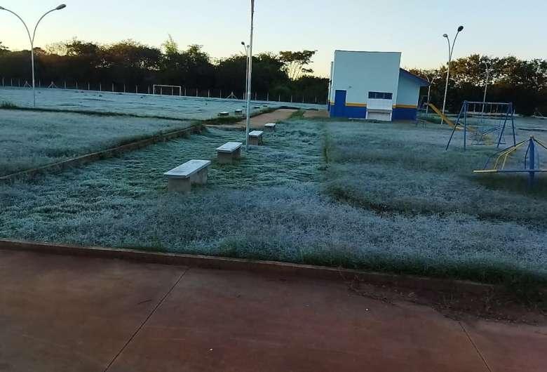 Dourados tem novo recorde de frio com mínima de 0.3ºC e geada