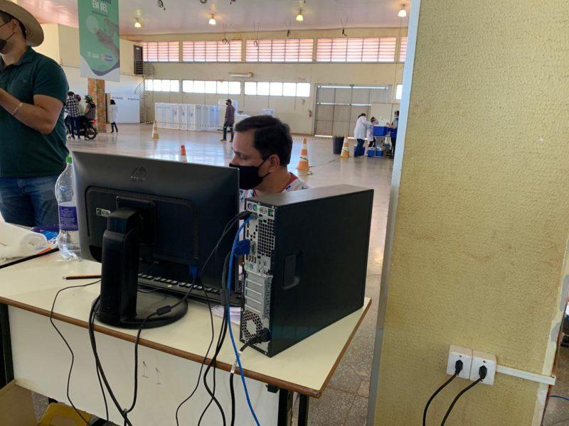Prefeitura recebe doações de computadores da UFGD