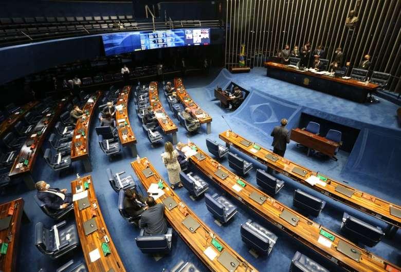 Relatório da MP da Eletrobras é lido e votação deve acontecer hoje