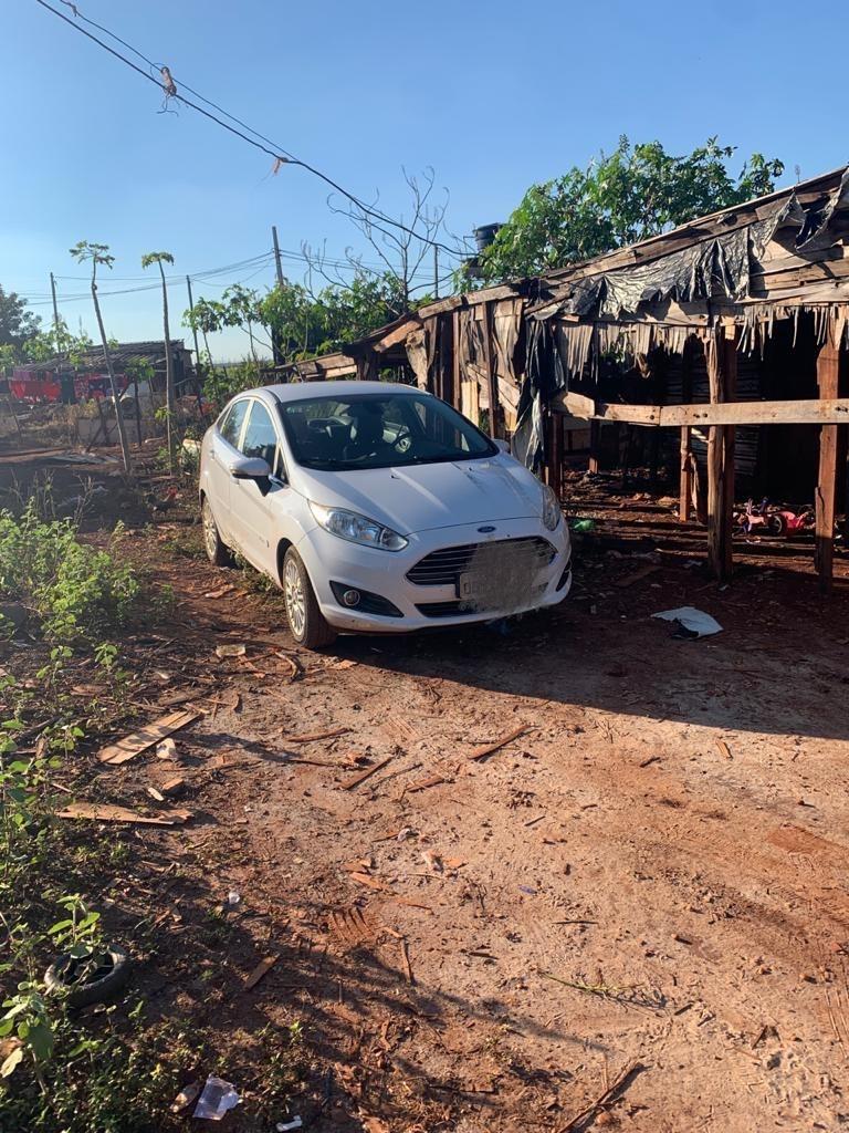 Polícia recupera na sitioca Campo Belo carro furtado em motel